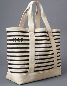 Gap's perfect nautical utility tote. Jute Tote Bags, Canvas Tote Bags, Utility Tote, Bag Patterns To Sew, Patchwork Bags, Denim Bag, Fabric Bags, Cloth Bags, Handmade Bags