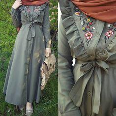 Ideas Style Hijab Hiver 2019 For 2019 Iranian Women Fashion, Islamic Fashion, Muslim Fashion, Modest Fashion, Fashion Dresses, Modest Dresses, Pretty Dresses, Outfit Look, Edwardian Dress