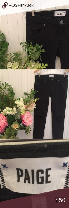 [PAIGE] Jimmy Jimmy Skinny Jeans Paige Distress Denim with holes in both knees. 98% cotton 2% elastase. PAIGE Jeans Skinny