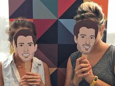 Get ready for the season premiere of Brother Vs. Brother with printable masks of Drew and Jonathan Scott.