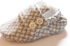 Baby Shoe Pattern - Loafers. (so stylish with the button flap.  wonder what it would look like if the flap was a coordinating rather than matching fabric?)