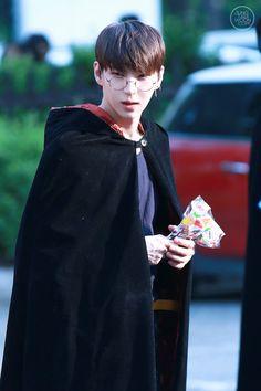 Leo looks like Harry Potter so cute <3