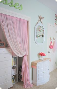 sheer curtain instead of a closet door... No more pinched fingers! Me likey!