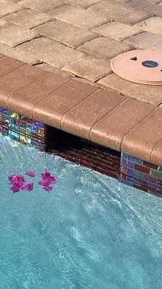 Skim-A-Round; A FLOATING pool skimmer. Skim-A-Round is the only floating pool skimmer Pool Diy, Small Backyard Pools, Backyard Pool Designs, Swimming Pools Backyard, Swimming Pool Designs, Pool Landscaping, Outdoor Pool, Swimming Pool Tiles, Swiming Pool