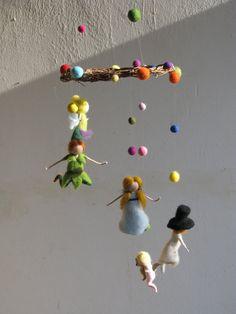 Peter pan y su aguja de amigos Waldorf móvil de fieltro