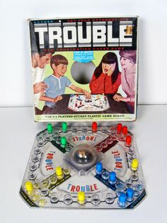 Vintage TROUBLE board game - family game - Kohner Brothers - 1965 -