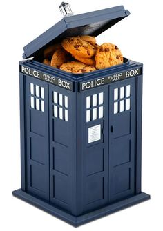 Talking-TARDIS-Cookie-Jar. Ohhhh... Dr.Who!