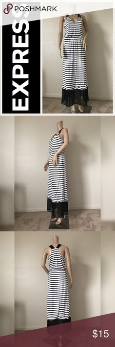 💫Black and white stripped Maxy Dress💫 💫Gently Loved💫 No flaws 💫Beautiful & comfortable 💫 Size M💫🛍Negotiable using  offer button🛍    No Trades🚫  🏡Smoke and pet free home 🏡 Express Dresses Maxi