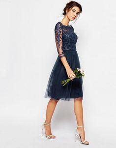 Chi Chi London | Кружевное платье миди с юбкой из тюля Chi Chi London
