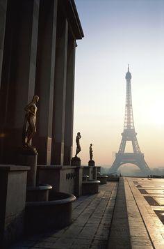 vista de la Torre Eiffel desde el Trocadero, París, Francia