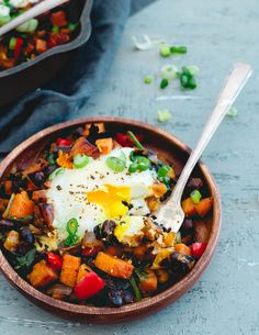 Perfect for dinner in a pinch, this harissa sweet potato hash comes together easily and quickly!