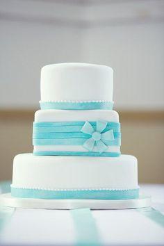 Pièce montée 2017  Le parfait quelque chose de bleu  un gâteau de mariage bleu unique! {Renaissance Studios Ph