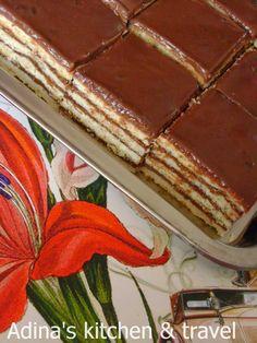 Adina's kitchen & travel: Prajitura in foi cu crema de ciocolata si nuca Romanian Food, Romanian Recipes, List Of Desserts, Square Cakes, Gordon Ramsay, Easy Meals, Easy Recipes, Something Sweet, Cooking Time