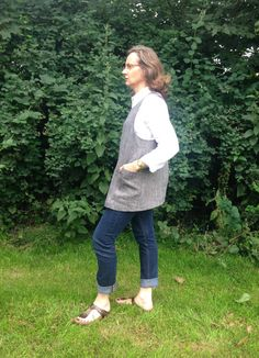 Linen Cross Back Apron Hand Made in UK  by didyoumakeityourself