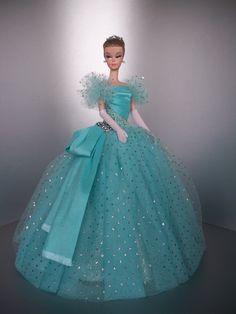 Barbie Wedding Dress, Barbie Gowns, Barbie Dress, Diy Barbie Clothes, Doll Clothes, Barbie Fashionista Dolls, Barbie Patterns, Vestidos Vintage, Vintage Barbie Dolls
