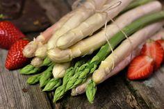 #Spargel #Spargelzeit #köstlich Shrimp, Meat, Food, Fine Dining, Opera, Cooking, Essen, Meals, Yemek