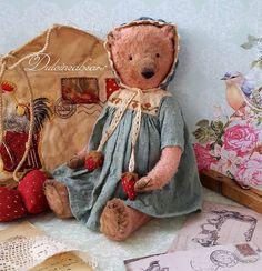 Artist bear Sue by Dulcineabears