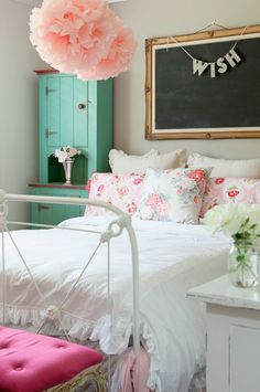 Love the colors and style of this bedroom!