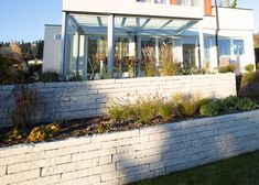 schiebe verglasung sunflex sf20 terrassenverglasung glasschiebet ren und winterg rten. Black Bedroom Furniture Sets. Home Design Ideas