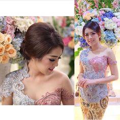 69 best Ideas for fashion design hair wedding dresses Kebaya Lace, Kebaya Brokat, Dress Brokat, Batik Kebaya, Kebaya Dress, Batik Dress, Modern Kebaya, Batik Fashion, Women's Fashion