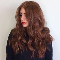 Trendy Hair Color Balayage Long Curls Ideas - All For Hair Color Trending Brown Hair Balayage, Brown Hair With Highlights, Hair Color Balayage, Aveda Hair Color, Auburn Balayage Copper, Peekaboo Highlights, Brunette Highlights, Purple Highlights, Brown Hair Shades