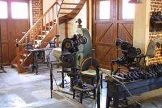 des machines  pour fabriquer les chaussures