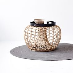 Nest Pall Small, Natur - Cane-line @ Corporate Interior Design, Corporate Interiors, Willow House, Square Tray, Round Tray, Beautiful Living Rooms, Pouf Ottoman, Timeless Design, Modern Furniture
