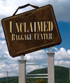 unclaimed baggage center, scottsboro, AL who knew?