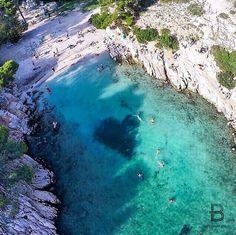 la calanque de Port-pin située entre Marseille et Cassis
