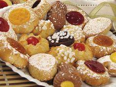 Italian Christmas cookies Italian Christmas Dinner, Italian Christmas Cookies, Christmas In Italy, Italian Cookies, Holiday Cookies, Christmas Treats, Christmas Foods, Christmas Recipes, Christmas Eve