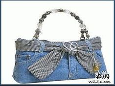 The corner of ANDYAAF: Different crafts with jeans Denim Handbags, Handbags On Sale, Jean Purses, Purses And Bags, Denim Purse, Denim Ideas, Denim Crafts, Denim And Lace, Recycled Denim