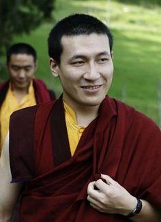 H.H. 17th Karmapa Trinley Thaye Dorje - Karmapa chenno