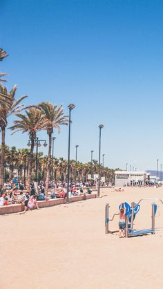 How to spend a weekend in Valencia? #Melarossa beach is one of the must visit places in sunny #Valencia.