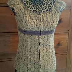 Charlotte Russ Top Charlotte Russ Hook and Eye Closure Top with Lace Detail Charlotte Russe Tops