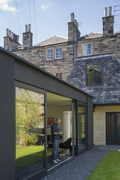 design ideas: Open all hours - in pictures homes - edinburgh house: new extension attached to older buildinghomes - edinburgh house: new extension attached to older building # Extension Veranda, Cottage Extension, Glass Extension, Roof Extension, Extension Ideas, Exterior Colors, Exterior Design, Garage Design, Open All Hours