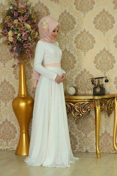 Lace Dress - Ecru $66.67 Muslim Evening Dresses, Pakistani Dresses Casual, Pakistani Bridal Dresses, Muslim Dress, Hijab Dress, Hijab Outfit, Turkish Hijab Style, Turkish Fashion, Islamic Fashion