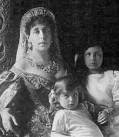 Grand Duchess Viktoria Feodorovna wearing a Greek key tiara over her kokoshnik. The tiara now belongs to the Romanian royal family.