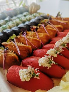 Sushi Catering, Slow Food, Hot Dogs, Dinner, Ethnic Recipes, Vegan Sushi, House Party, Open Plan Kitchen, Rice Dishes