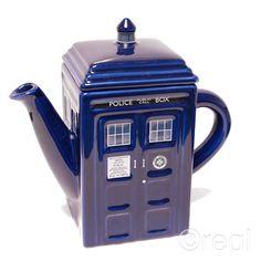 TARDIS Teapot. need need need need.