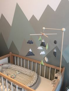 Muziekmobiel babykamer bergen bergthema nursery mobile mountain theme