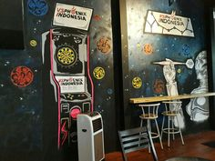 Mural wallpainting dart game space