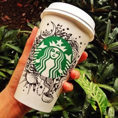 Ride Your Dragon: Meanwhile At Starbucks Arte Starbucks, Starbucks Cup Drawing, Copo Starbucks, Starbucks Cup Art, Starbucks Menu, Milk Shakes, Latte Art, Coffee Cup Art, Arte Sketchbook