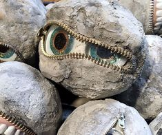 Jeepers Creepers Rock Eye Peepers: 9 Steps (with Pictures) Cement Art, Concrete Crafts, Concrete Art, Concrete Projects, Concrete Forms, Stone Crafts, Rock Crafts, Clay Crafts, Dremel
