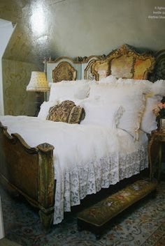 THE GILDED CHERUB: Inspirational Photos That fantastic bed.......! and the tapestry step stool to get up into the bed