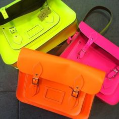 summer neon Cambridge Satchel NEED one Oxford Bags, Neon Accessories, Neon Bag, Neon Clutch, Mode Blog, Grunge, Cambridge Satchel, Neon Colors, Bright Colours