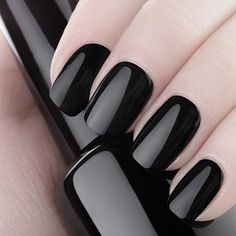 Olaaaaa meus amores! Hoje vamos começar o dia falando das tendências para unhas neste verão 2017! Acessem o blog e corram para a manicure, bjos bjos www.papocalcinha96.com  #bomdia #unhas #esmaltes #avon #anita #vultesmaltes #style #insta #moda #verao #verao2017