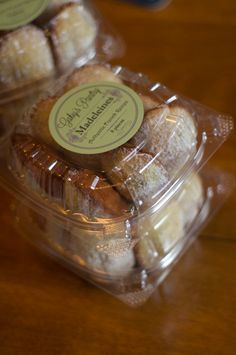 Authentic french madeleines, made from scratch with natural ingredients and no preservatives!