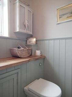Cottage bathroom - Over the past few weeks, I have spent any spare time looking for bathroom design Diy Bathroom, Family Bathroom, Bathroom Toilets, Bathroom Ideas, Gold Bathroom, Cloakroom Ideas, Wood Panel Bathroom, Bathroom Organization, Bathroom Interior