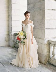 Bridal separates are not all about showing off your curves, but about creativity (how to mix and match)! This romantic Grecian inspired look from Lace and Liberty Bridal is making us swoon!