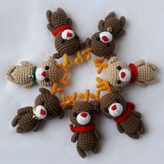 Christmas reindeer amigurumi brings happiness to its owner! Make small Christmas gifts for your loved ones. This easy free amigurumi pattern will help you! Crochet Teddy, Crochet Patterns Amigurumi, Crochet Dolls, Amigurumi Minta, Christmas Crochet Patterns, Holiday Crochet, Crochet Crafts, Crochet Projects, Free Crochet